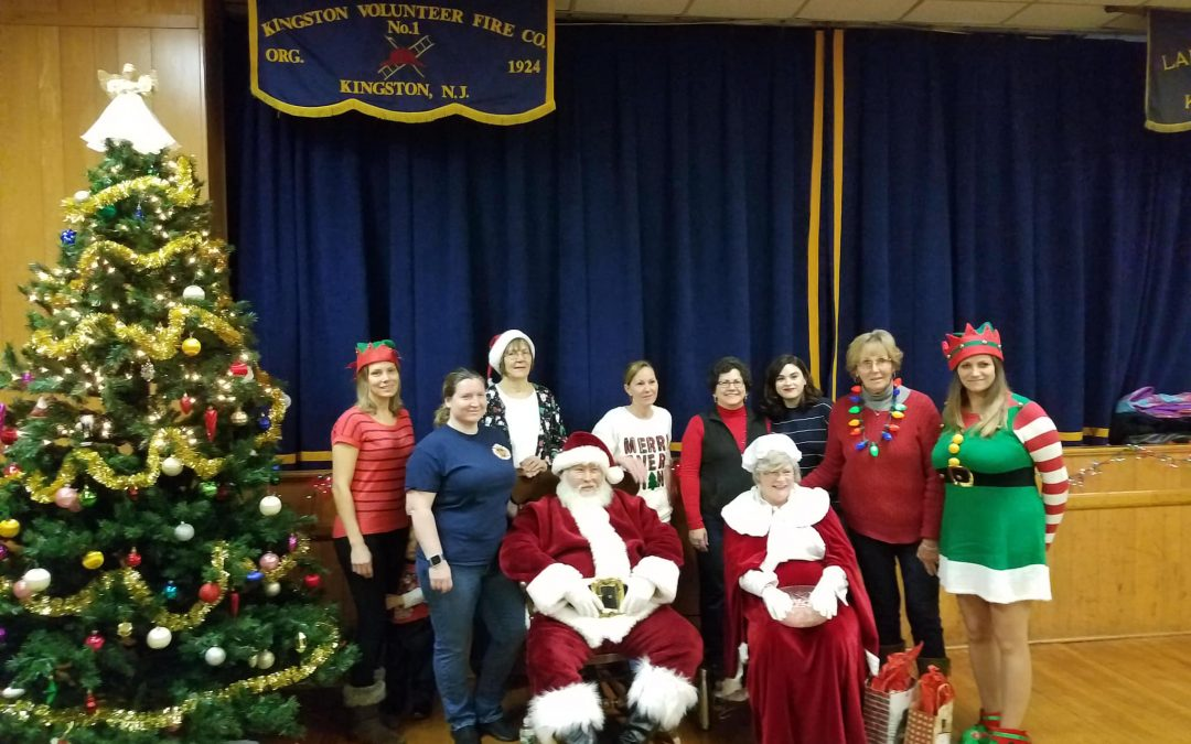 Santa Claus and Mrs. Claus Visits Kingston Volunteer Fire Company #1